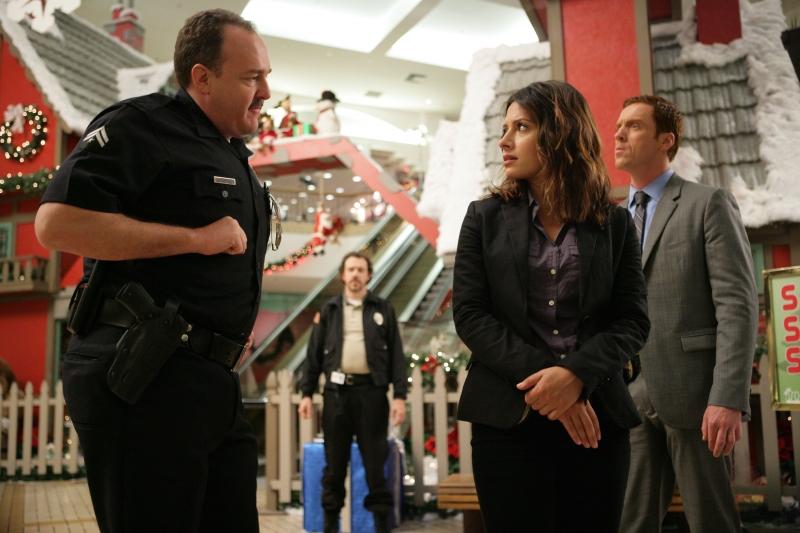 Damian Lewis Brent Sexton E Sarah Shahi In Una Scena Dell Episodio Black Friday Della Serie Tv Life 94416