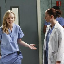 Chyler Leigh e Melissa George nell'episodio 'These Ties That Bind' della serie televisiva Grey's Anatomy