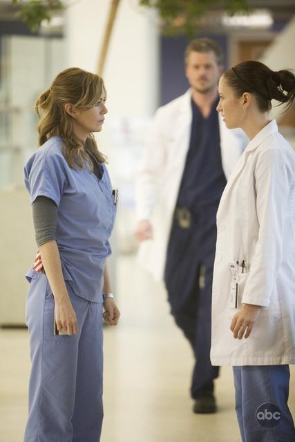 Chyler Leigh Insieme Ad Ellen Pompeo Nell Episodio These Ties That Bind Della Serie Televisiva Grey S Anatomy 94702
