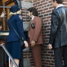 Gretchen Mol, Michalel Imperioli e Jason O'Mara nell'episodio 'My Maharishi is Bigger Than Your Maharishi' della serie tv Life on Mars
