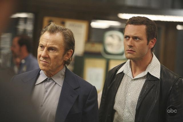 Jason O Mara Con Harvey Keitel Nell Episodio Things To Do In New York When You Think You Re Dead Della Serie Life On Mars 94660