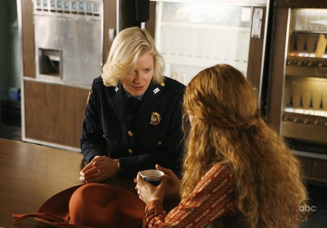 Jennifer Ferrin Insieme A Gretchen Mol Nell Episodio Have You Seen Your Mother Baby Standing In The Shadows Della Serie Tv Life On Mars 94656