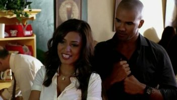 Meta Golding insieme a Shemar Moore nell'episodio 'Catching Out' della serie tv Criminal Minds