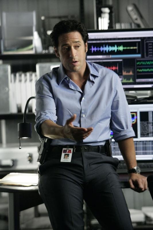 Rob Morrow Interpreta Don Eppes Nella Serie Tv Numb3Rs Episodio Scan Man 94626