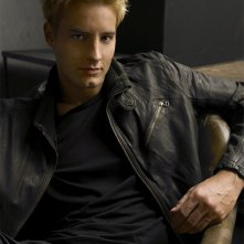 Una bella immagine di Justin Hartley