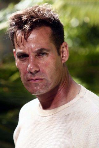 Adrian Pasdar in una scena dell'episodio The Eclipse : Part 1 di Heroes
