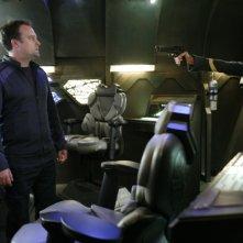 David Hewlett insieme a Dawn Olivieri nell'episodio 'Identity' della serie tv Stargate Atlantis