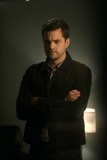 Joshua Jackson in una scena dell'episodio The Equation di Fringe