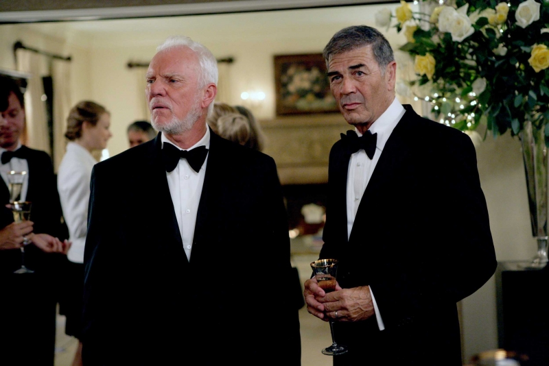 Robert Forster E Malcolm Mcdowell Nell Episodio Villains Di Heroes 94850