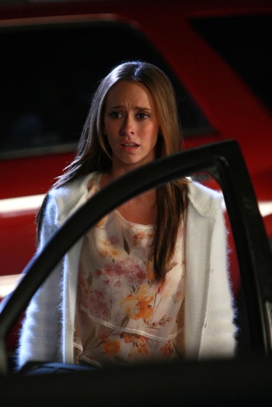 Un Immagine Di Jennifer Love Hewitt Nell Episodio Imaginary Friends Della Serie Ghost Whisperer Quarta Stagione 94784