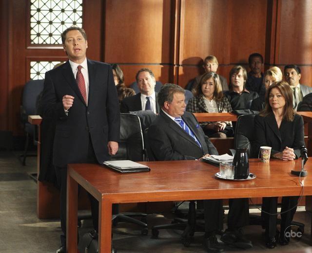 Valerie Bertinelli Insieme A James Spader E William Shatner Nell Episodio Mad Cows Della Serie Tv Boston Legal 94741
