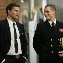Brendan Fehr e David Boreanaz  nell'episodio 'The Con Man in the Meth Lab' della serie tv Bones