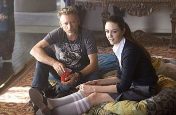 Callum Keith Renni e Madeline Zima in una scena dell'episodio 'Coke Dick & The First Kick' di Californication