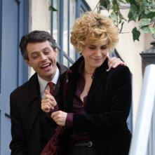 Cecilia Dazzi con Stefano Pesce in una scena della serie televisiva Amiche mie
