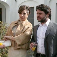 Elena Russo e Lillo Petrolo in una scena della serie televisiva Amiche mie.