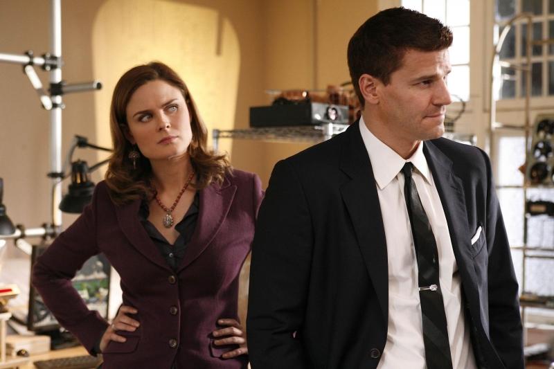 Emily Deschanel Con David Boreanaz Nell Episodio The Con Man In The Meth Lab Della Serie Tv Bones 95029