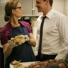 Emily Deschanel e David Boreanaz in un momento dell'episodio  'The Passenger in the Oven' della serie tv Bones