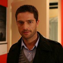 Luca Capuano in una scena della serie televisiva Amiche mie, prodotta da Mediaset