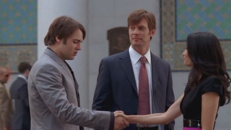 Lucy Liu E Seth Gabel Insieme A Peter Krause Nell Episodio The Family Lawyer Della Serie Tv Dirty Sexy Money 95020