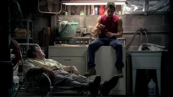 Stephen Root e Ryan Kwanten in una scena dell'episodio Plaisir d'amour di True Blood