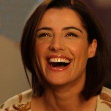Un primo piano di Luisa Ranieri nella serie televisiva Amiche mie.
