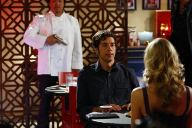 Zachary Levi In Una Scena Della Premiere Della Seconda Stagione Di Chuck Episodio Chuck Versus The First Date 95004