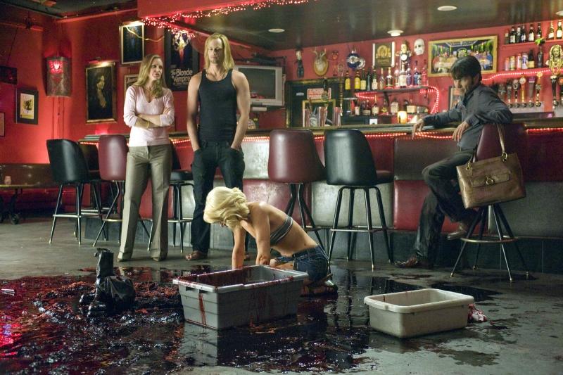 Alexander Skarsgard E Stephen Moyer In Una Scena Dell Episodio Plaisir D Amour Di True Blood 95135