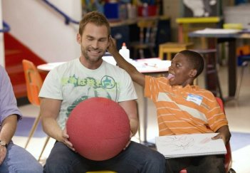 Seann William Scott e Bobb'e J. Thompson in un'immagine del film Role Models