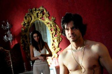 Andrea Sartoretti in una scena del decimo episodio di Romanzo Criminale - La serie