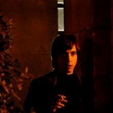 Emiliano Coltorti in una scena del nono episodio di Romanzo Criminale - La serie