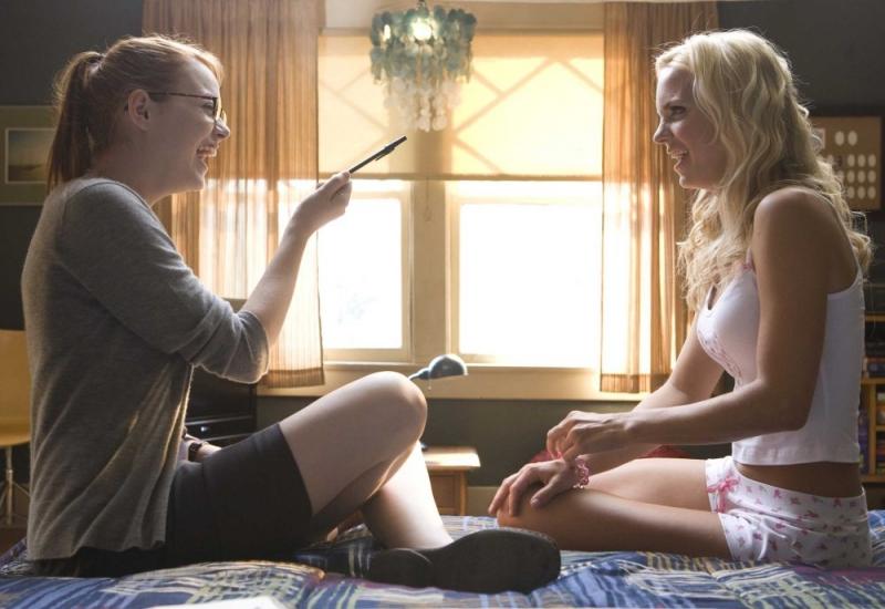 Emma Stone E Anna Faris In Una Scena Della Commedia The House Bunny 95411