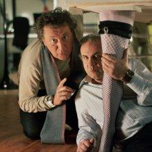 Enzo Iacchetti e Jerry Calà in una scena del film Torno a vivere da solo