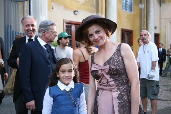 Giulia Bellu E Valeria Milillo Sul Set Del Film So Che Ritornerai 95298