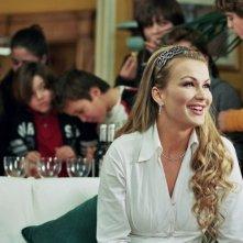 La bella Eva Henger in una scena della commedia Torno a vivere da solo di Jerry Calà
