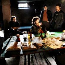 Vinicio Marchioni, Edoardo Pesce, Francesco Montanari e Mauro Meconi in una scena del terzo episodio di Romanzo Criminale - La serie
