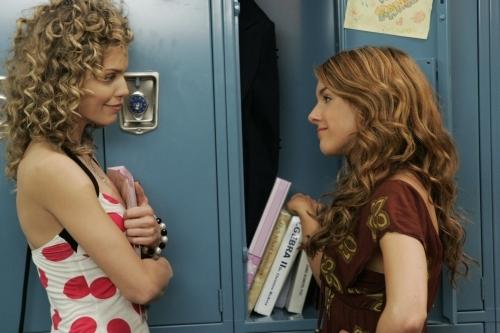 Annalynne Mccord E Shenae Grimes Nell Episodio Secrets And Lies Di 90210 95509