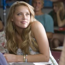 Amber Heard in una scena del film Never Back Down