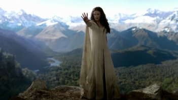 Bridget Regan è Kahlan Amnell nella serie Legend of the Seeke, episodio: Prophecy