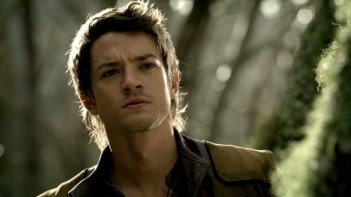 Craig Horner nel ruolo di Richard Cypher nella serie tv Legend of the Seeker, episodio: Prophecy