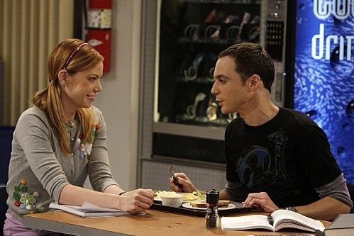 Jim Parsons E Riki Lindhome In Una Scena Dell Episodio The Cooper Nowitzki Theorem Di The Big Bang Theory 95775