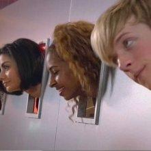 Marcquelle Ward, Sapphire Elia, Rana Roy e Matthew James Thomas in una scena dell'episodio 'Behind the Mask' della serie Britannia High