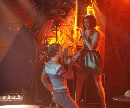 Mitch Hewer E Sapphire Elia In Un Immagine Dell Episodio Let S Dance Della Serie Britannia High 95721