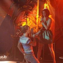 Mitch Hewer e Sapphire Elia in un'immagine dell'episodio 'Let's dance' della serie Britannia High