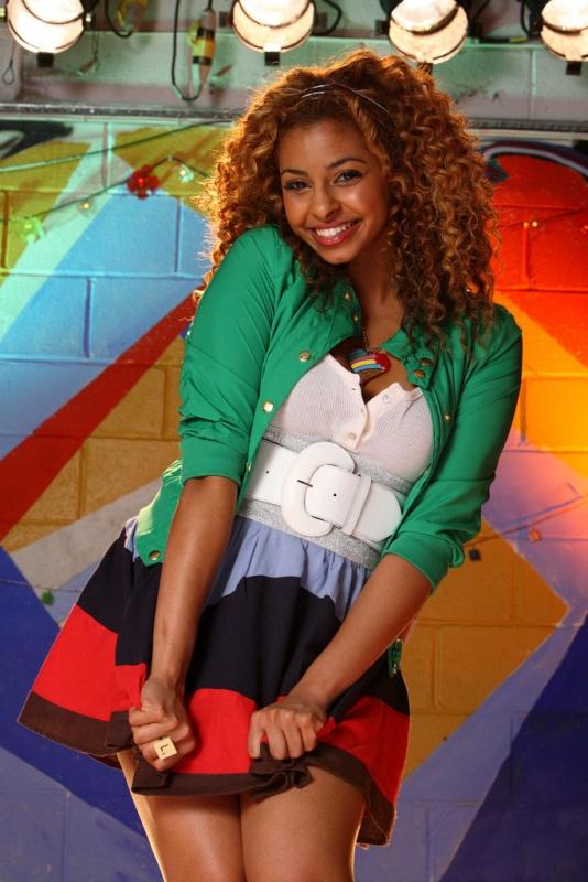 Rana Roy In Una Foto Promozionale Della Prima Stagione Di Britannia High 95583