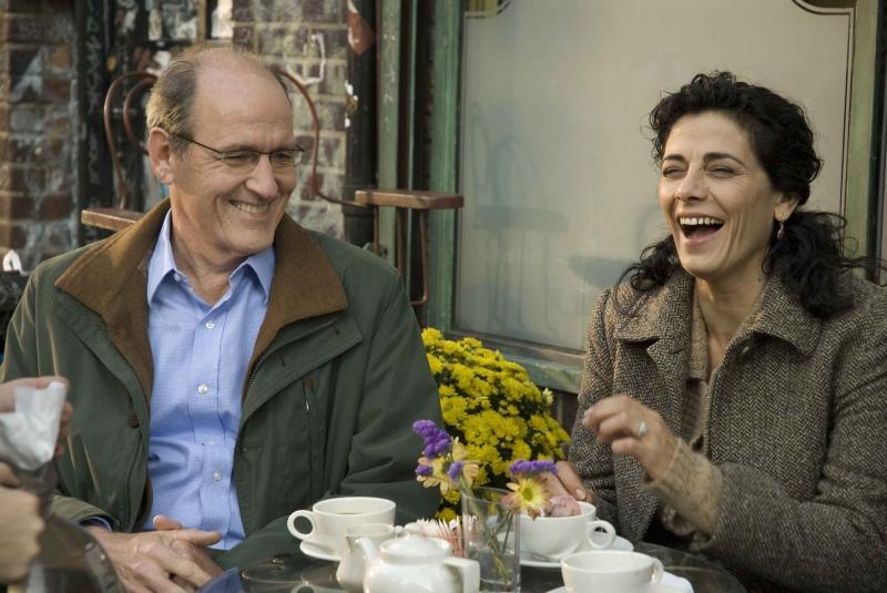 Richard Jenkins E Hiam Abbas In Una Scena Del Film L Ospite Inatteso 95690