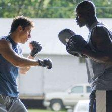 Sean Faris e Djimon Hounsou in un'immagine del film Never Back Down