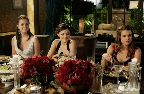 Ashley Newbrough Lucy Hale E Joanna Garcia Nell Episodio All About The Haves And The Have Nots Di Privileged 95872
