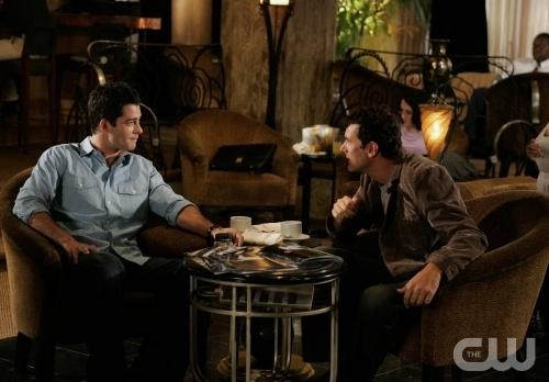 Brian Hallisay E Robert Mailhouse In Una Scena Dell Episodio All About Insecurities Di Privileged 95826