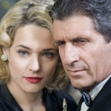 Laura Chiatti e Gianni Ippoliti in una scena del film Gli amici del Bar Margherita
