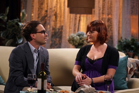 Sara Rue E Johnny Galecki Nell Episodio The Lizard Spock Expansion Di The Big Bang Theory 95798